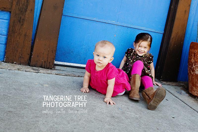 Cool fun modern childrens photograper